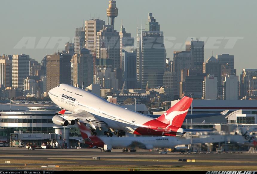 747-take-off-sydney