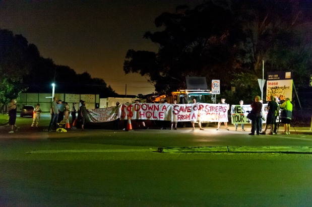 WestConnex protest 18.12.14 far shot